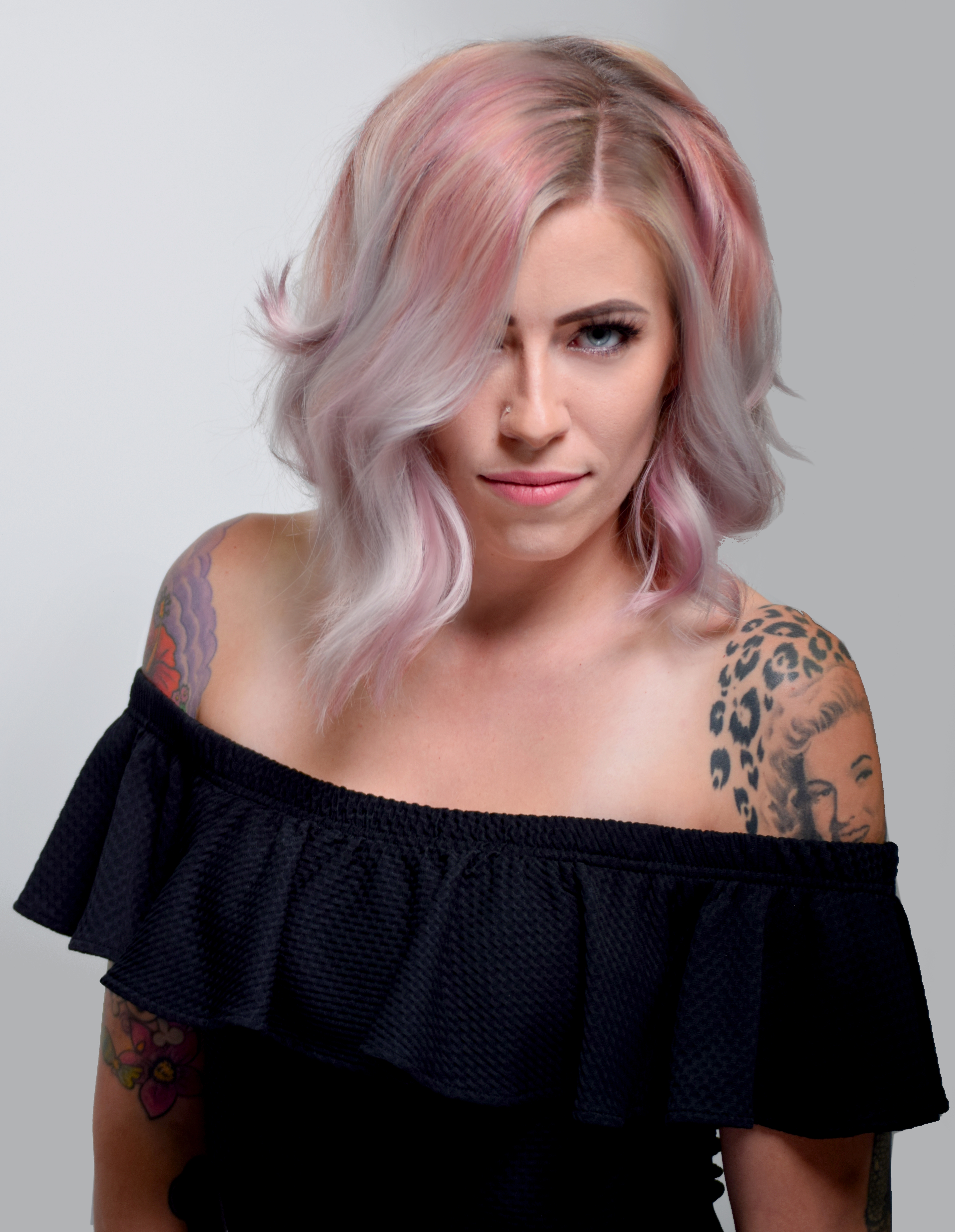 Hair Color: Jacquelyn Hastings @jacquelynmarieh;Hair Style: James Gartner @gartnerjames;Makeup: Jessica Brown @dollface_mubyjess