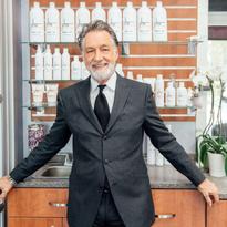 How-ToCombine Salon Service & Retail Sales Techniques