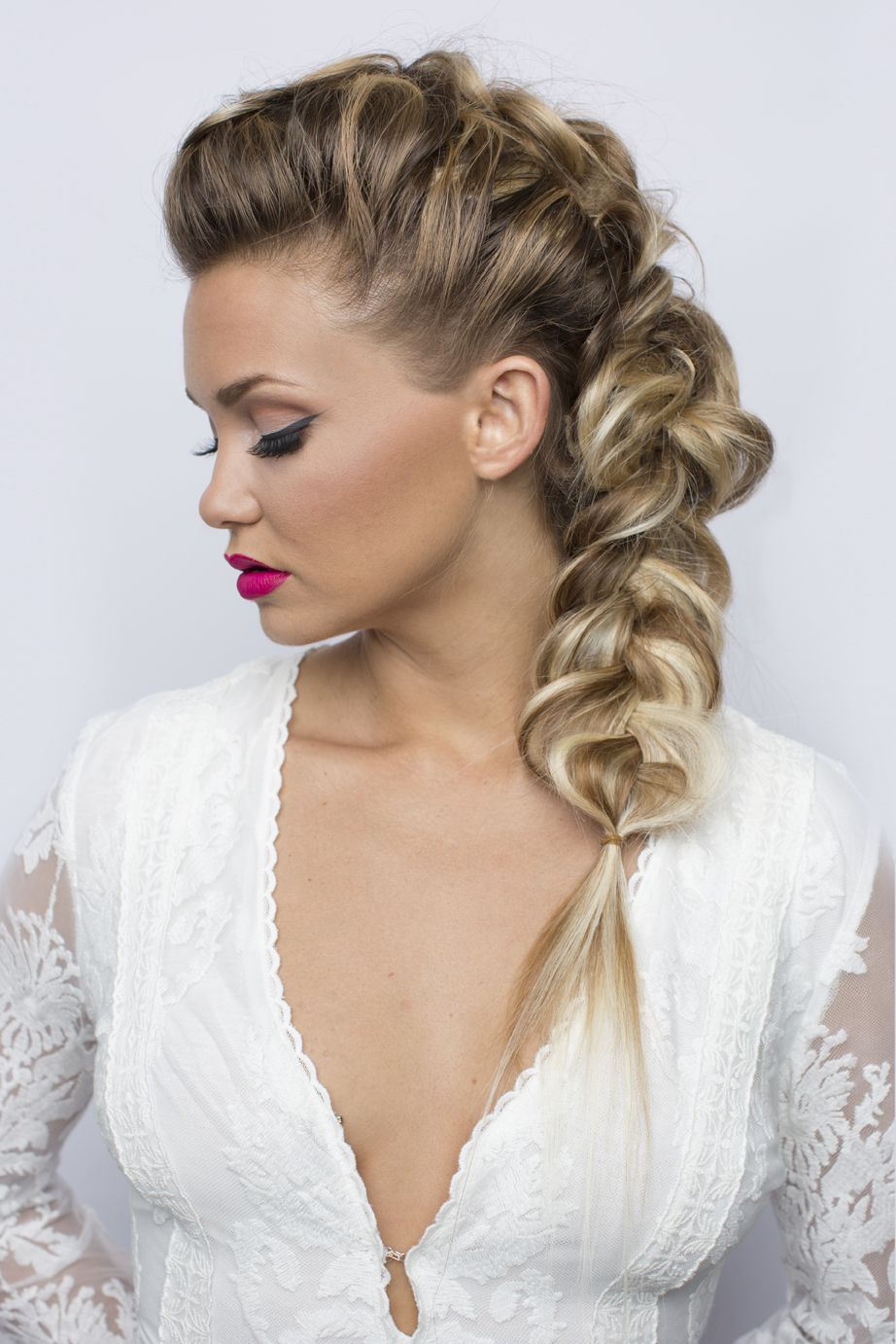 How-To: Loosened Side Braid