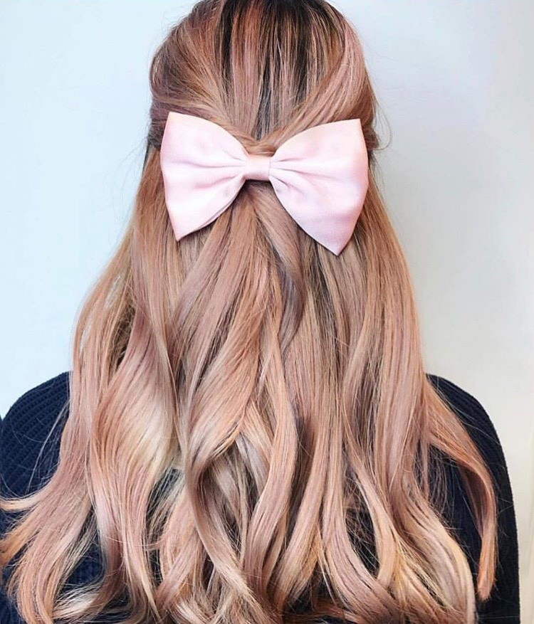 We're obsessed with this pretty and proper look by @brittanyhartzhair.