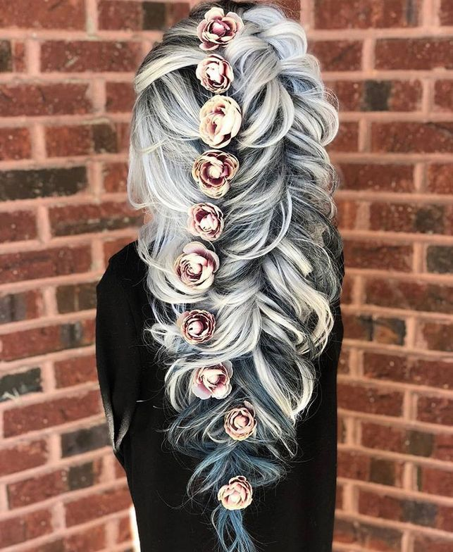 """This dreamy downstyle was created with the help from <a class=""notranslate"" href=""https://www.instagram.com/hairdousa/"">@hairdousa</a> clip in extensions in stormy blue. The color pops are perfect with this silver hair. To lock in my style I used <a class=""notranslate"" href=""https://www.instagram.com/sexyhair/"">@sexyhair</a> <a href=""https://www.instagram.com/explore/tags/bigsexyhair/"">#bigsexyhair</a> <a href=""https://www.instagram.com/explore/tags/powderplaylite/"">#powderplaylite</a> and <a href=""https://www.instagram.com/explore/tags/healthysexyhair/"">#healthysexyhair</a> <a href=""https://www.instagram.com/explore/tags/pureaddiction/"">#pureaddiction</a>"""