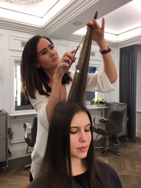<strong>Amélie Lemoine puts the finishing touches on her cut to add movement and texture.</strong>