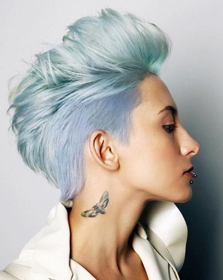 How amazing is this edgy blue creation?