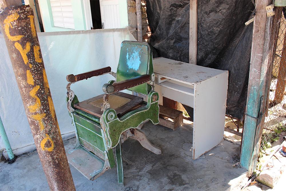 Jusmani's barbering chair.