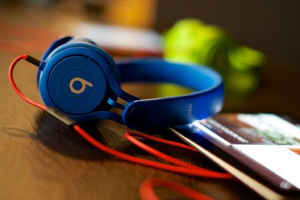 Photo: Matt Reeves | beats headphones, The Sound of Your Stay Music Lounge, Hard Rock Hotel Chicago