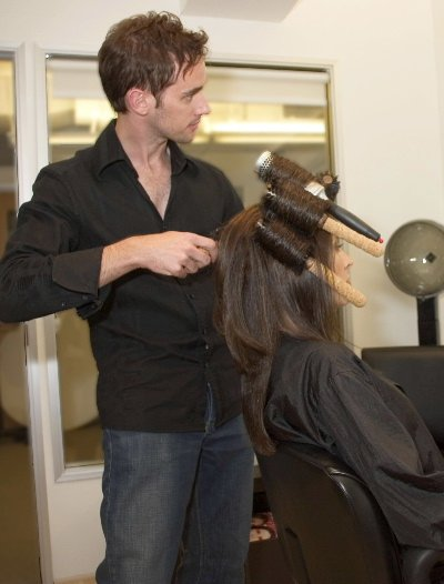 How to become a celebrity hairstylist