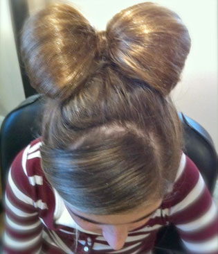 The hair bow recreated by MODERN Facebook friend Andrea Parise Beckerich, after she saw it on MODERNs Facebook page.