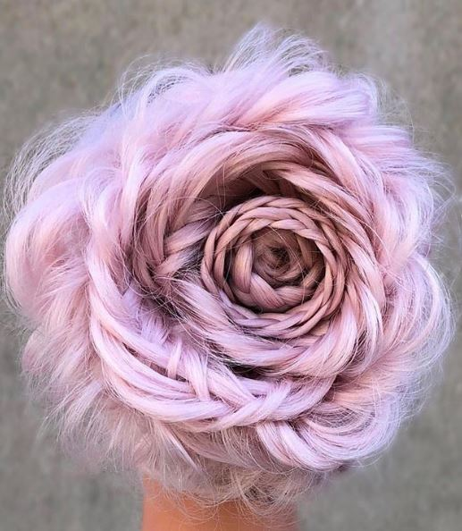 How could we not include this viral post in our roundup? There's simply too much to say about this stunning floral work and the playful pink color.