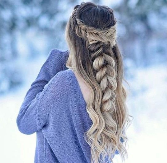 This icy winter style by @braidsbyjordan makes us want to let it go.