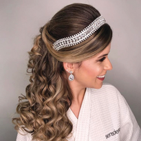 How to Create Long-Lasting Updos and Wedding Styles