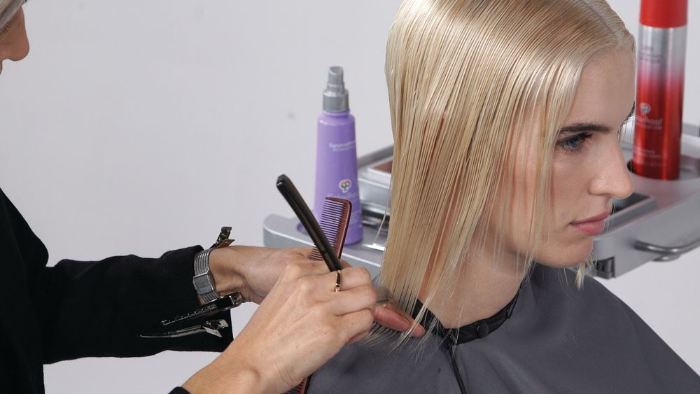 STEP 6: Moving to the sides, connect the perimeter using your razor, with slight over direction back to maintain a strong corner.