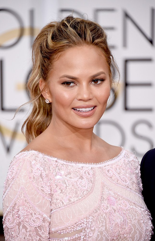 2015 Golden Globes How-to: Chrissy Teigen's Super Chic Tousled Ponytail