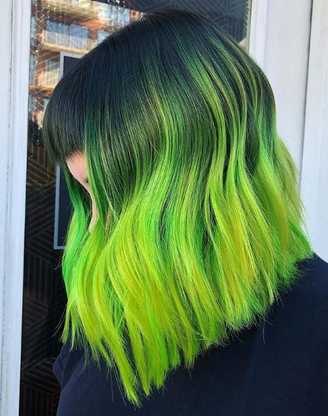 The mighty green melt pairs well with this lob hairstyle