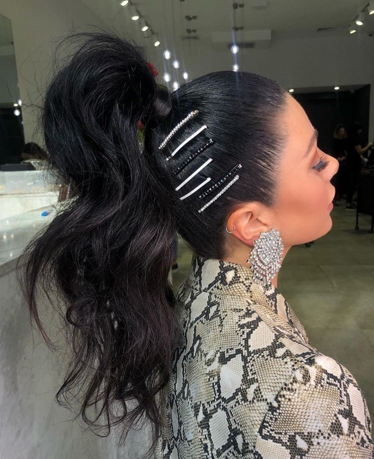 @natalieannehair is really upping the ponytail game with these clips.