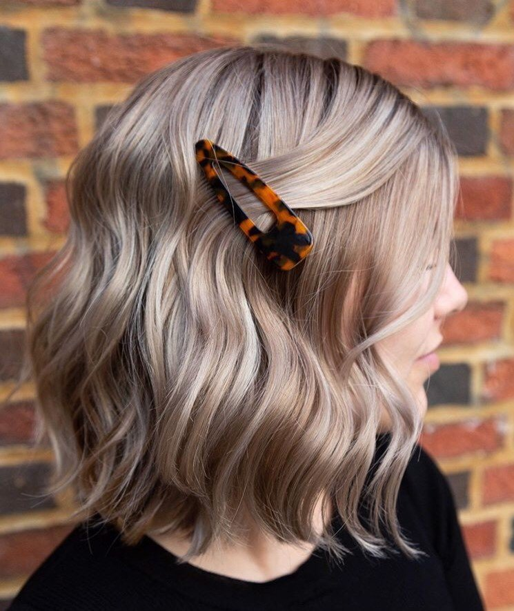 We love this simple look @allhailthehair completed with just one clip.