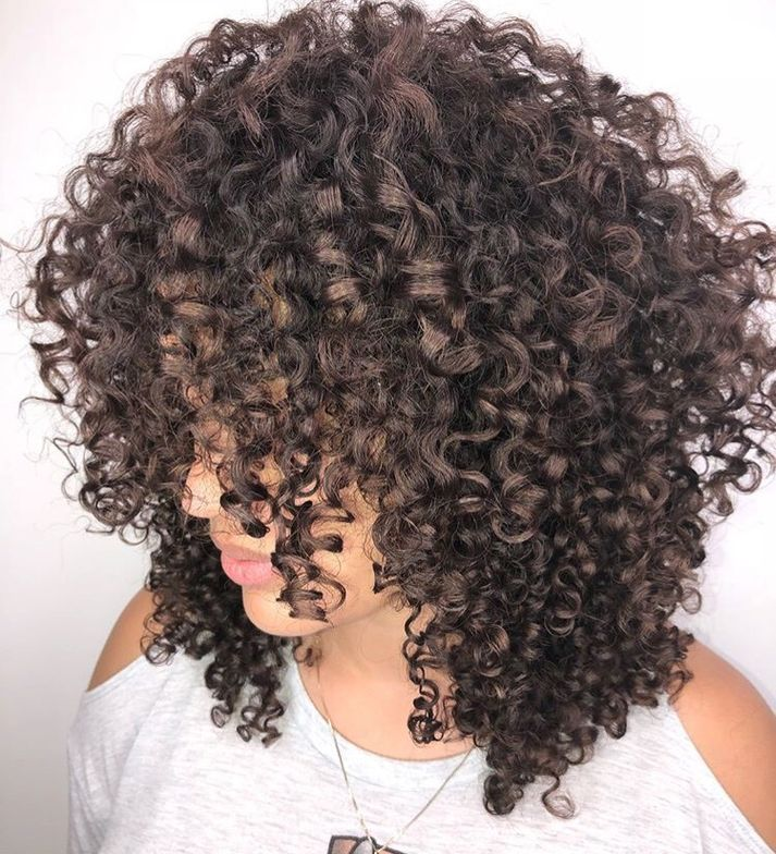 <p>Bouncy, bold and oh so fun. We love these curls!</p>
