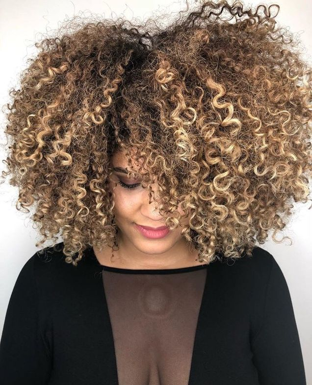 <p>We cannot get over these curls!</p>