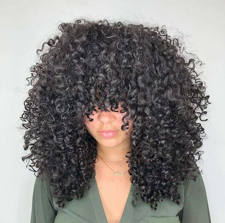 <p>Taylor added layers to these curls, giving her client what she called &quot;Diana Ross vibes!&quot;</p>