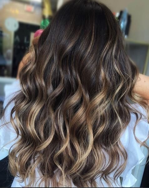 So.Much.Dimension! These caramel highlights leave us speechless.