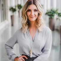 Danielle Keasling is NAHA 2018 Hairstylist of the Year and Great Lengths USA Executive Artistic...