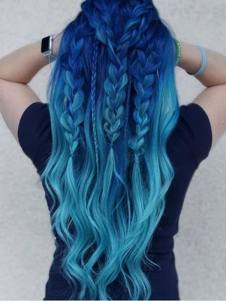 This braiding and color work is unbelieveable. A stunner for sure!