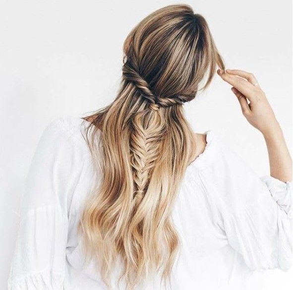 We're dreaming of summer days and boho braids when we see this look from @_emmaco_.