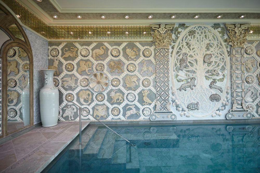 ". The mural framing the pool, created by South African artist Jane du Rand, is called The Tree of Life and depicts Irish Celtic mythology with aspects of flora and fauna. ""The Tree of Life, with oak tree, gives life,"" says Spa Manager Michelle Ryan. ""The spa is all about wellness and improving life, improving living."""