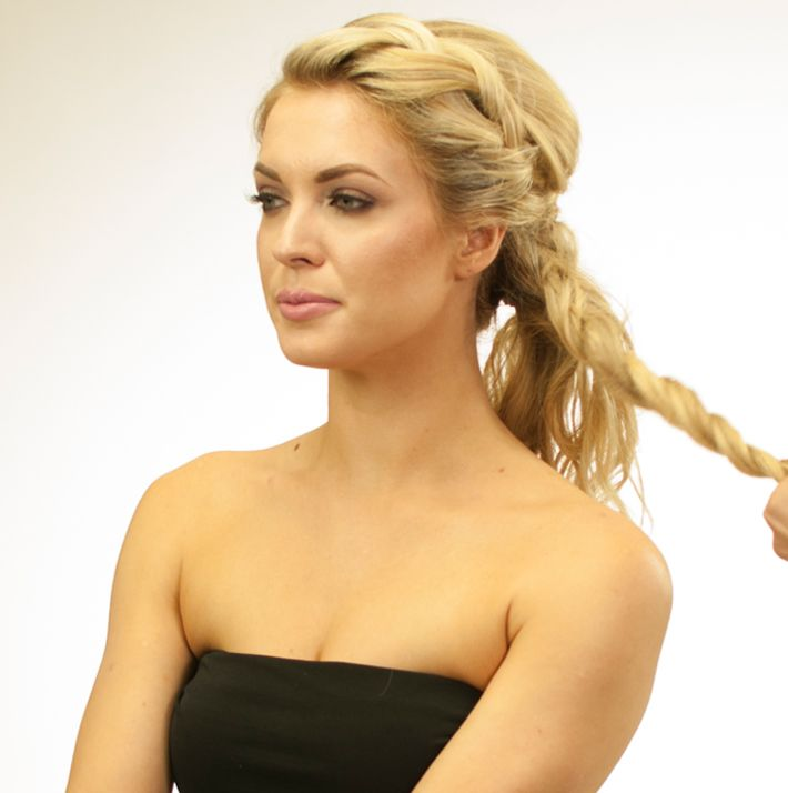 <p>Divide the ponytail in 3 separate ponytails.</p>