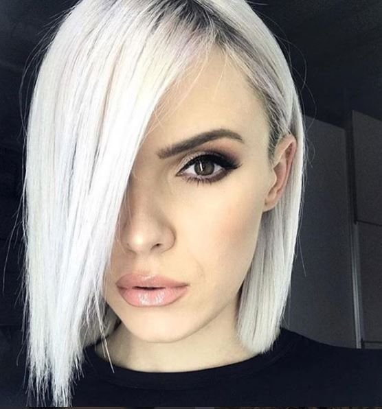 "<p>We can't help but want to join Slytherin after staring at this look from @frizerskimirror. It has us like, ""Draco Malfoy, but make it chic.""</p>"