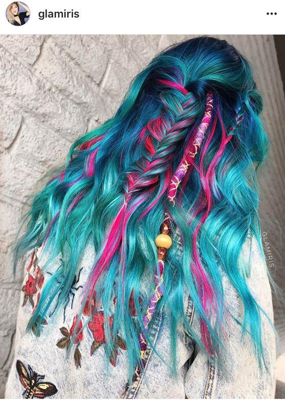 <p>Via @glamiris. Dreamcatcher hair for a festival princess.</p>