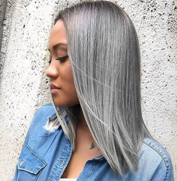 The angles, the color. This look by @glamiris slays the gray game.