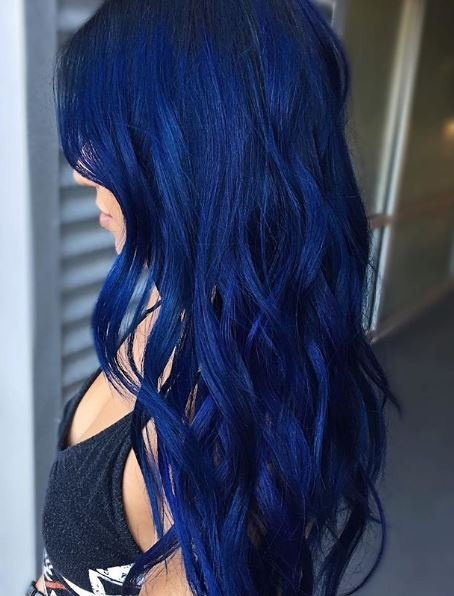 This hair reminds us of midnight blue skies.