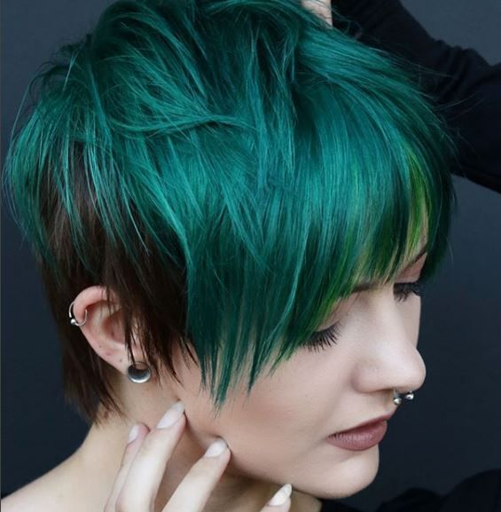We can't think of a better way to emphasize this cute pixie than with a deep forest green color.