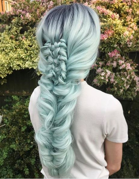 This two-strand chinese ladder braid is just jaw-dropping!