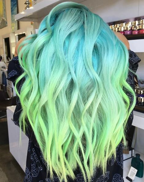 This gorgeous hair color fades into the limelight.