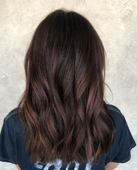 The deep chocolate and cherry hues in this style blend together beautifully. We love how this look is so different from the rest.