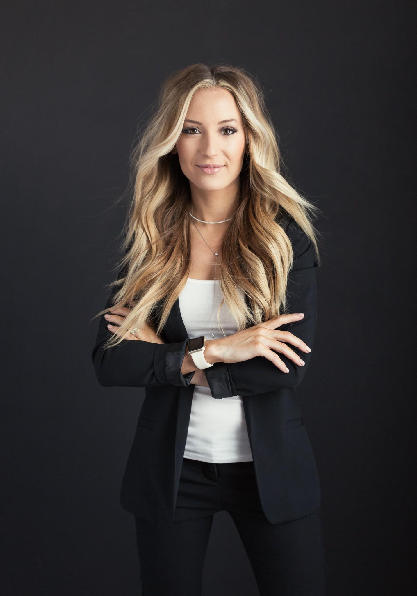 Saretta Bowerman (@hairbysaretta)