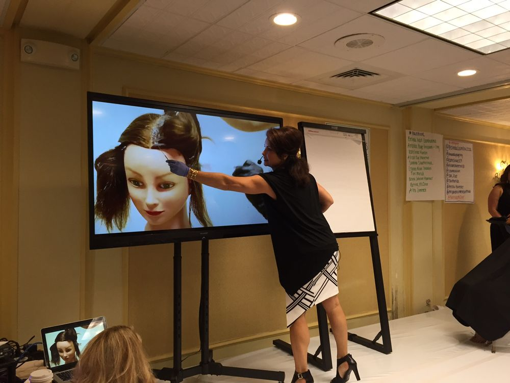 Belinda Gambuzza demonstrates Color Fusion in a workshop at the Intercoiffure Spring Atelier, 2016