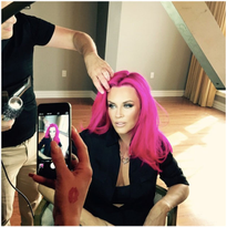 HOW-TO: Jenny McCarthy's New HOT Pink Hair