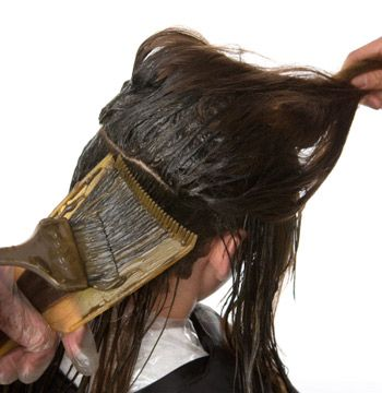 Work throughout the head adding lowlights, alternating weaves and heavy slices.