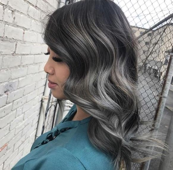 Don't you just love how the winds picked up the ends on this style by @josmariie? It's like the perfect storm.