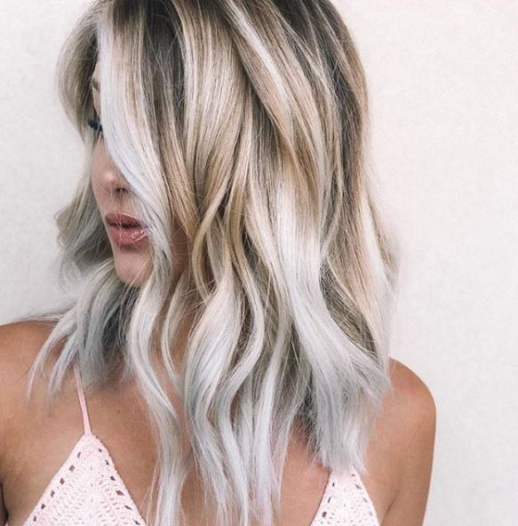 <p>My oh my. What can we say about this stellar coconut lob other than it leaves us longing for summer and gives us major hair envy.</p>