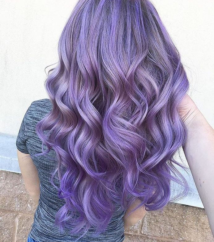 @kellymccormickhair created this soft and pretty finish with Pravana Wild Orchid and Clear.