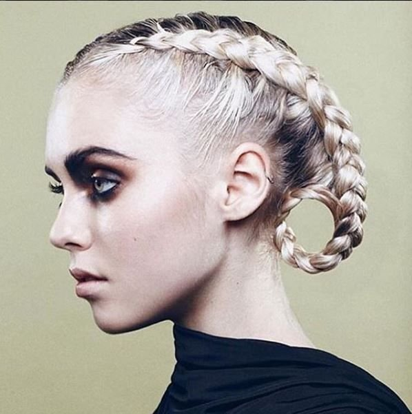 The edginess to this unique braided style from @kellypeachbeauty is enough to make just about anyone look cool.