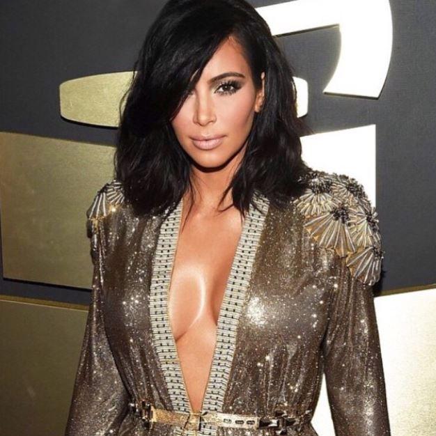 Kim Kardashian sports polished, textured hair at the 2015 Grammys.