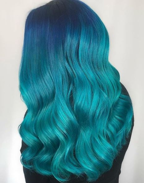 Can't help but feel like a mermaid with hair like this!