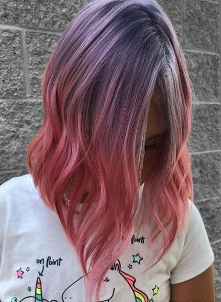 We love a good lob, and this pink and purple color work complements the popular cut well.