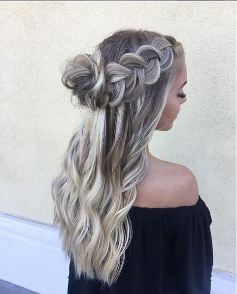 How could we KNOT include this dreamy style combination from @laceyelisabethbeauty.