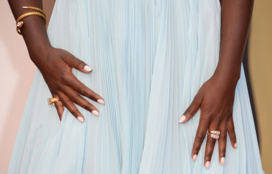 "OSCARS: Lupita Nyong'o's Pink Pearl Nails and ""Goddess"" Headband"