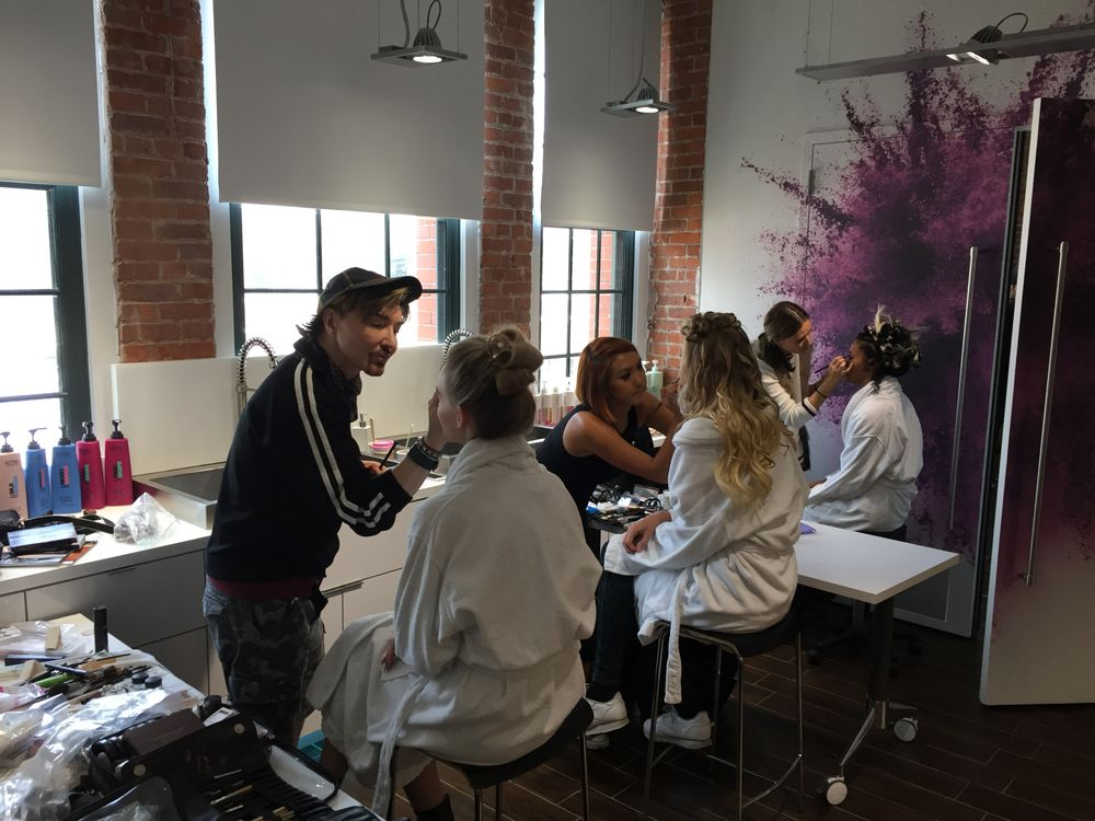David Maderich and team apply make up at ARTIST SESSION